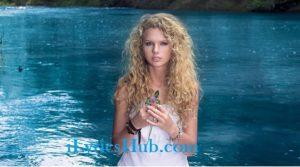 Fifteen Lyrics (Full Video) - Taylor Swift