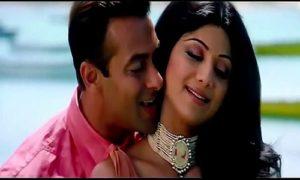 Hum Tumko Nigahon Mein Lyrics - Garv   Udit Narayan